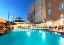 hotel_pool-1